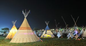 iow-festival-tipi-field-2016