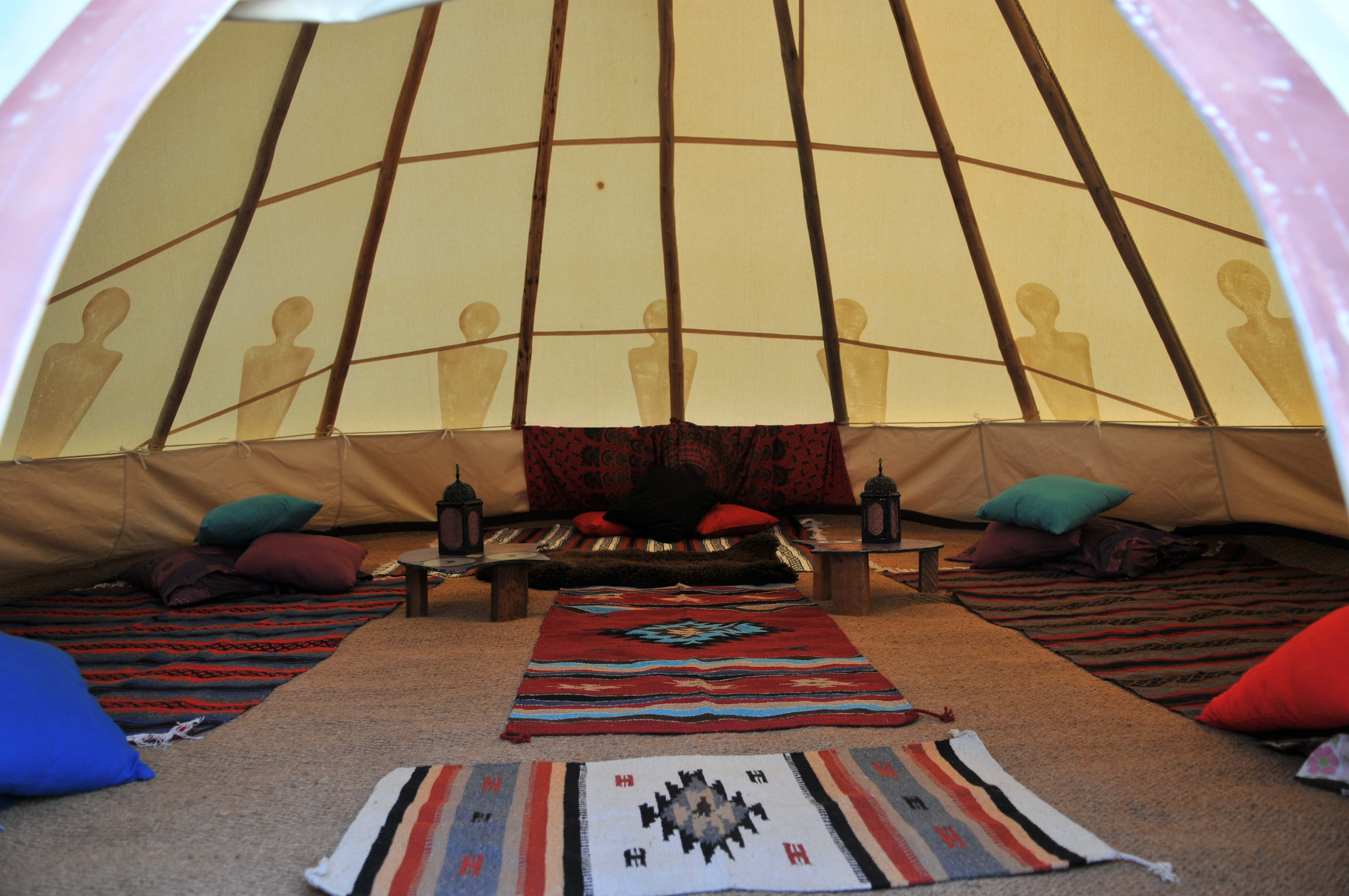 Picture depicts one of our larger tipis with luxury furnishings. & Isle of Wight Festival 2018 | Eveu0027s Tipis